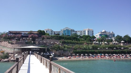 Didim Beach Resort & Spa : From the jetty to the hotel