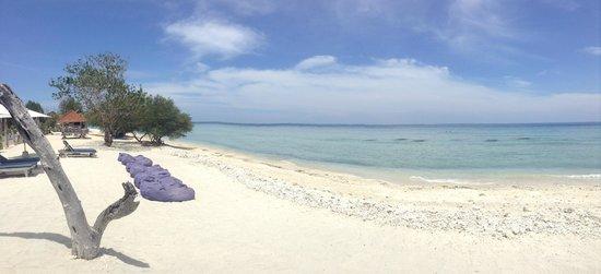 Gili Eco Villas: Greta beach