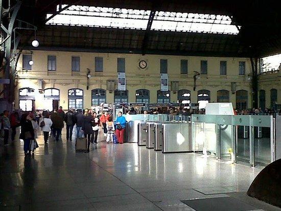 Vista Interna de la Estación del Norte en Valencia.
