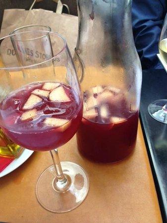 Viva: Tastiest Sangria ever!