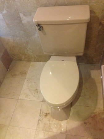 Bathroom - Legian Beach Hotel: Wc