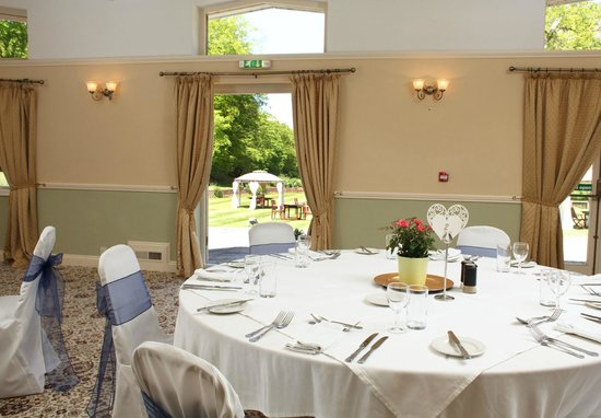 Northrepps Cottage Country Hotel: view to garden from the Gurney Suite