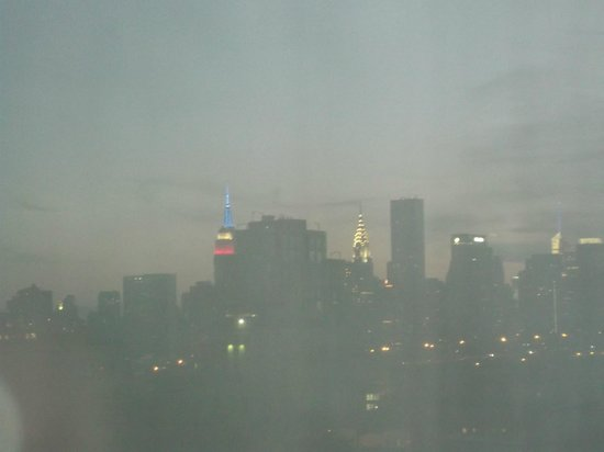 Holiday Inn L.I. City - Manhattan View : View of Manhattan from hotel room inc. Empire State Building & Chrysler Building