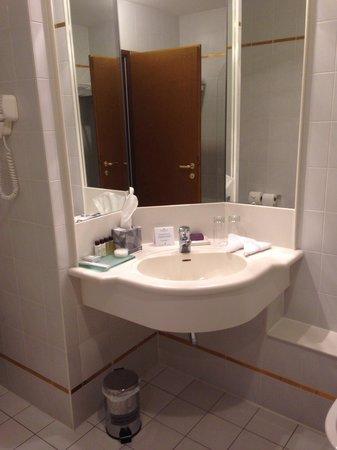 Corinthia Hotel St. Petersburg: Baño