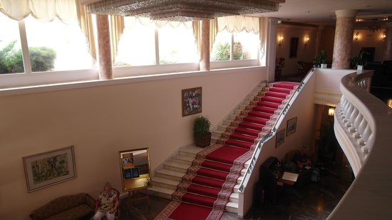 Corfu Palace Hotel : The `Red Carpet` stairs