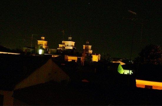 Hotel Carlton: Il castello di notte dalla camera