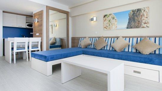Globales Apartamentos Verdemar: Salón Apartamento Vista Mar