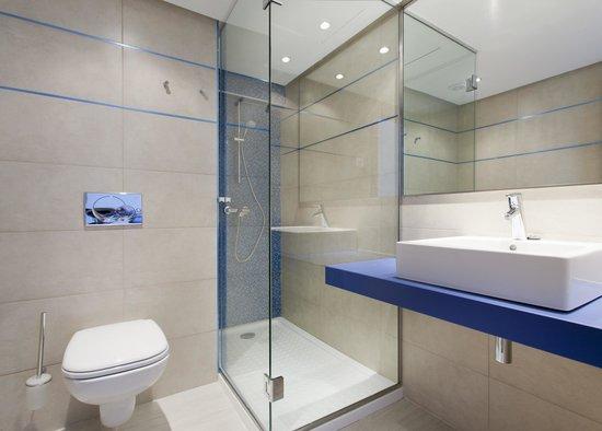 Globales Apartamentos Verdemar: Baño Apartamento