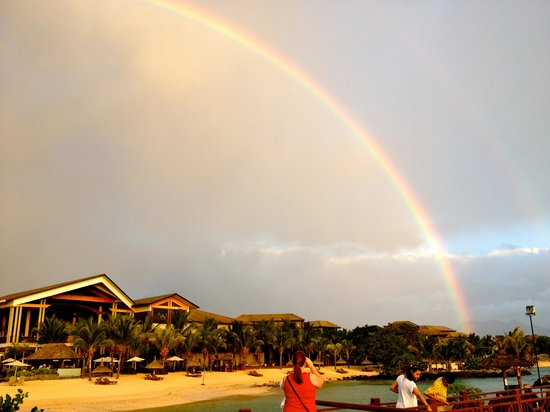InterContinental Mauritius Resort Balaclava Fort: Even the odd rainy day put on a show for us!