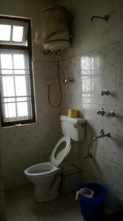 Himalayan Retreat Cum Resort : bathroom