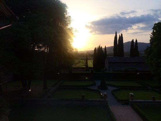 Villa di Piazzano: Sunset from the villa!