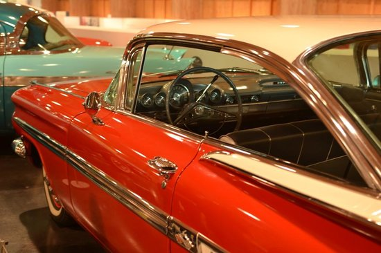 LeMay - America's Car Museum: Sparkling in red