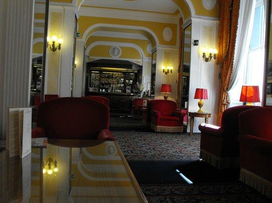 Bettoja Massimo D'Azeglio Hotel : Il bar nella hall