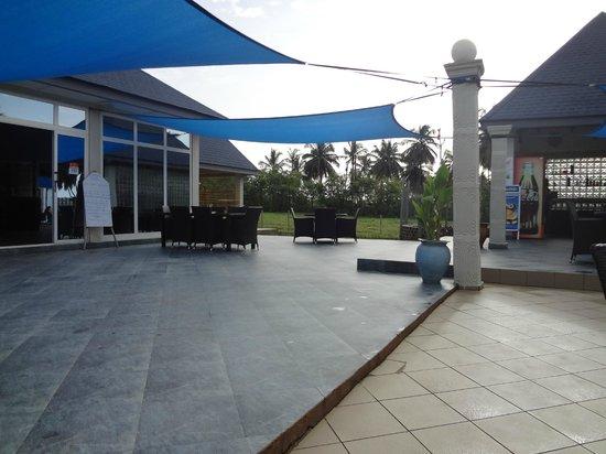 Blue Diamond Beach Spa Resort : Back patio area
