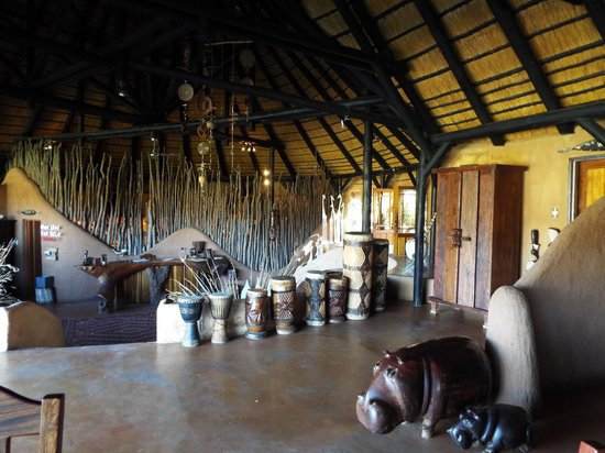 Okonjima Bush Camp: Lovely touches in the reception area