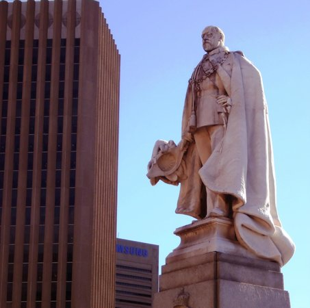 Wanderlust - Cape Town on Foot Walking Tour: King Edward VII statue on Grand Parade