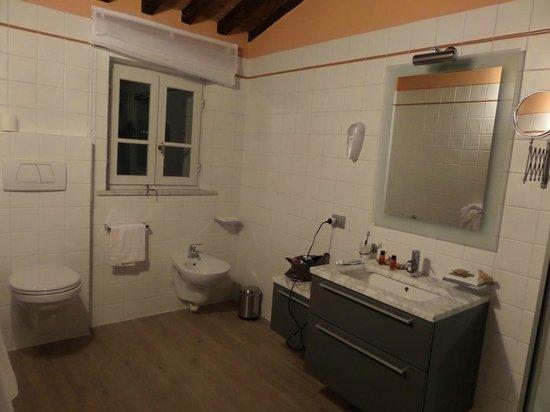 Cortona Resort & Spa: Bagno