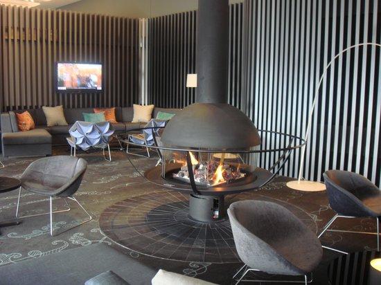 Crown Metropol Melbourne: Club 28 Lounge