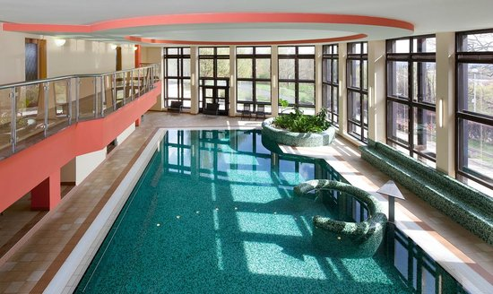 Chateau Monty SPA Resort: Swimming Pool