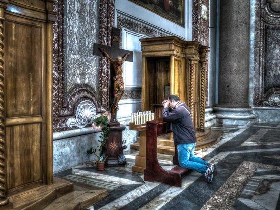 Basilica di Santa Maria degli Angeli e dei Martiri: Prayer