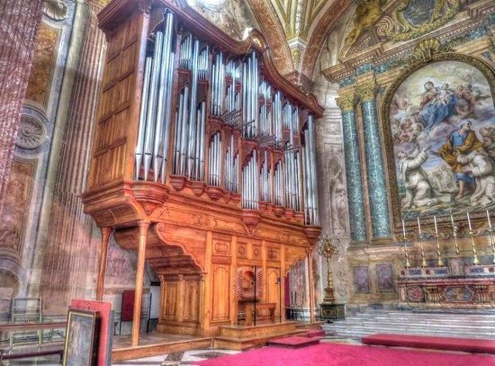 Basilica di Santa Maria degli Angeli e dei Martiri: The Organ
