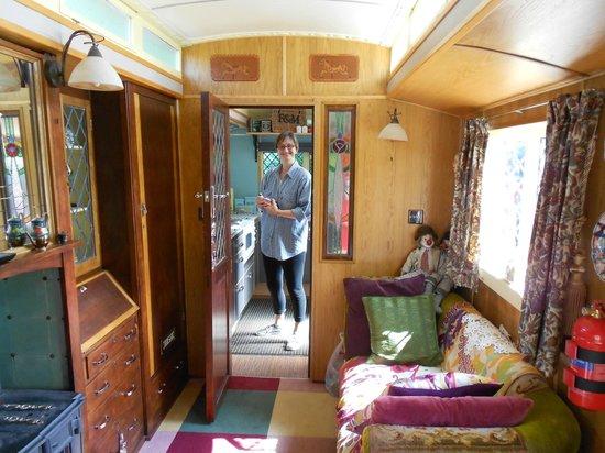 Ffynnon Fendigaid: Dolly's interior