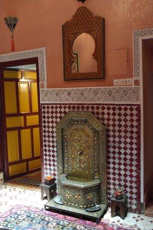 Riad Atika Meknes: hall