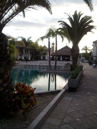 Marylanza Suites & Spa: Piscina y Palapa