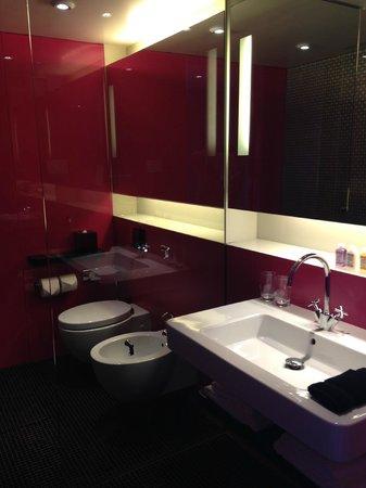 G&V Royal Mile Hotel Edinburgh : Banheiro