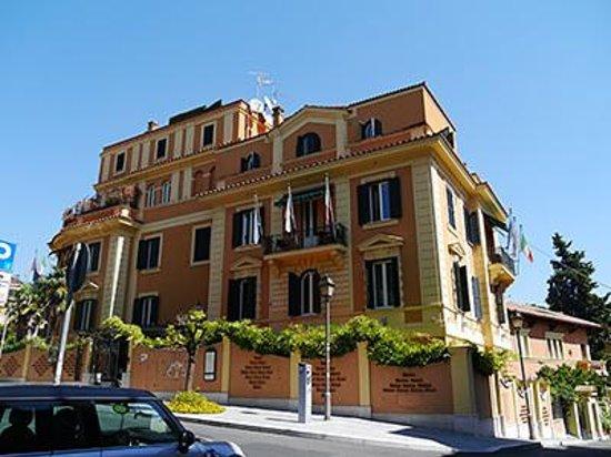 Hotel San Anselmo: 外観