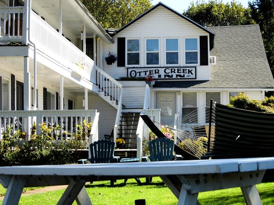 otter creek inn and grounds