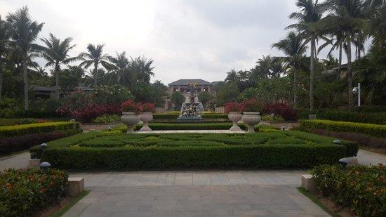 Conrad Sanya Haitang Bay: The Garden