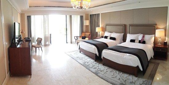 Conrad Sanya Haitang Bay: Our first room