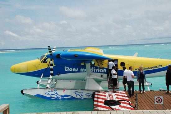 Atmosphere Kanifushi Maldives: Ankunft - Wasserflugzeug