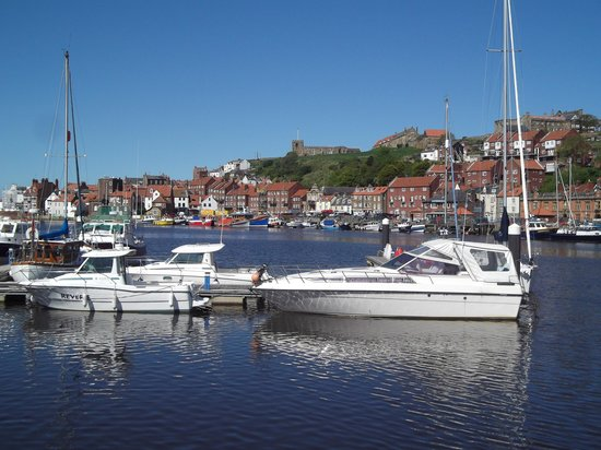 Whitby Harbour: Boats