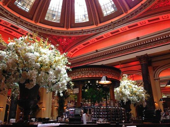 The Dome: Interior do restaurante