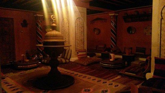 Yadis Djerba Golf Thalasso & Spa: Bar tunisino