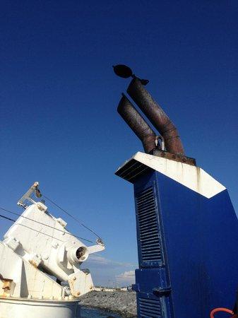 Doolin Ferry : belching fumes area