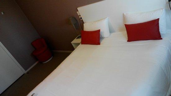 Hotel Port Haliguen : Lit
