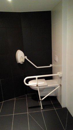 Hotel Port Haliguen : Amménagent pour les personnes avec handicape
