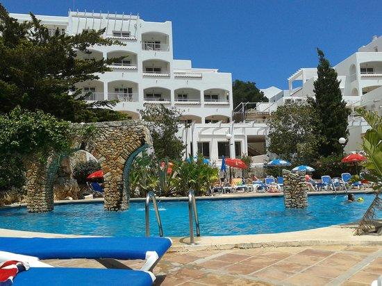 OLA Apartamentos Es Ravells D'Or: hotel vue piscine