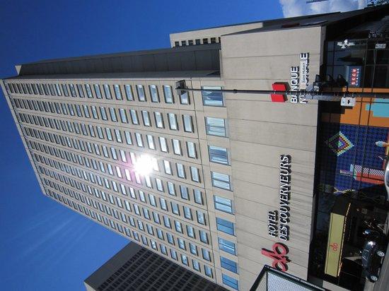 Hotels Gouverneur Montreal: L'hôtel vue de la rue