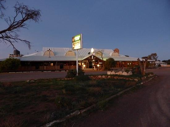 Glendambo Hotel Motel and Caravan Park: Glendambo