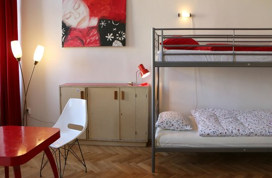 Hostel Lipa: Red room (female dormitory)
