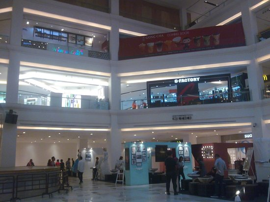 Johor Bahru City Square: citysquare lobby...