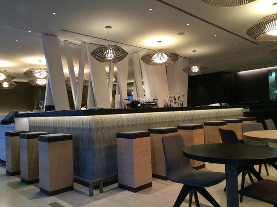 Pullman Basel Europe Hotel : Bar
