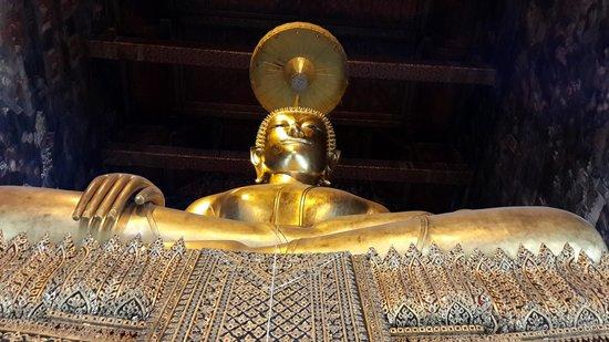 Wat Suthat: Buddha