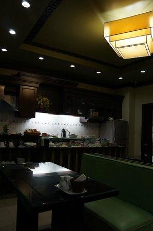 Golden Spring Hotel: кафе