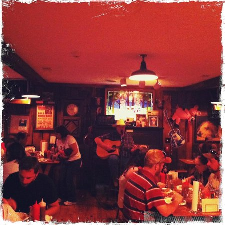 Woodlands Barbecue and Pickin Parlor: Country folk singer