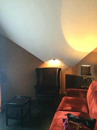 Restaurant Hotel Merlet: Room seating area